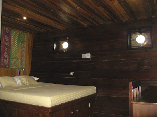 Tambora Liveaboard Double Cabin Bed and Desk