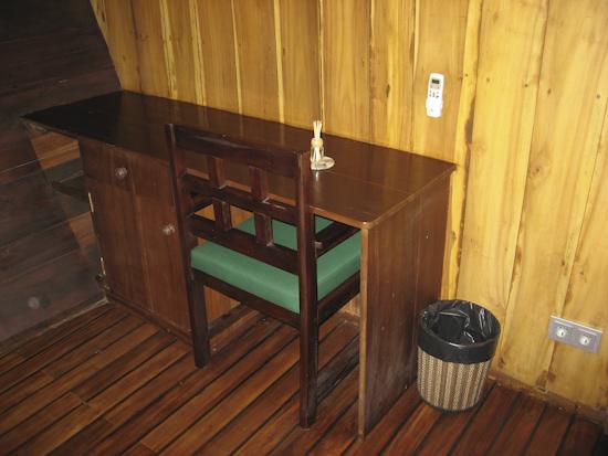 Tambora Liveaboard Double Cabin Desk